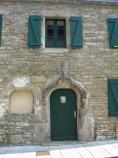 La maison avec la porte en anse de panier